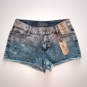 Decree Distressed Ombre Jean Shorts Size 5